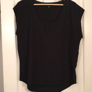 Black sleeveless sheet top